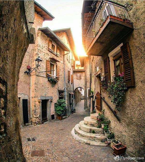 Пьеве ди Тремозине, Италия