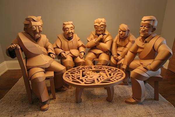 Скульптуры из картонных коробок